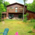 Roomy, rustic cottage on 1/2 a km of private shoreline!