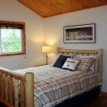 2nd bedroom, queen. New 4-post bed.
