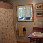 Ground floor 4 – piece bathroom
