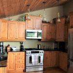Full kitchen. Granite countertop
