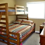 2nd bedroom Bunks, queen on bottom